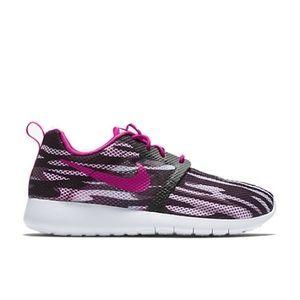 NWOB Nike Roshe One Flight Weight Shoes